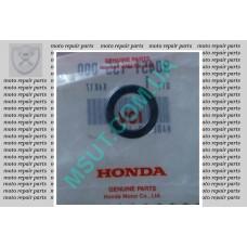 Шайба вала КПП (14mm) (за сальником вала КПП) Honda CB400cc. (90451-155-000)